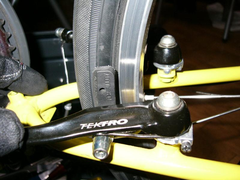 バイクフライデーのタイヤを451化へと検討する。
