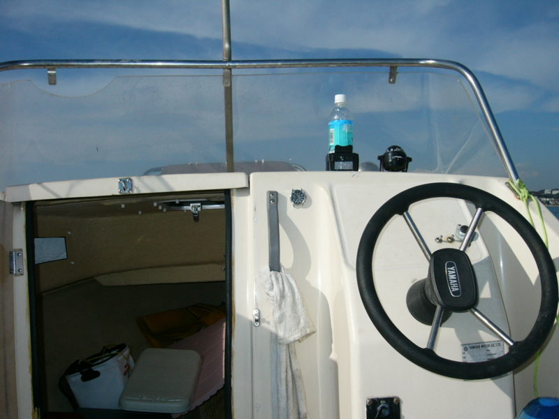 ヤマハ ボート 運転席