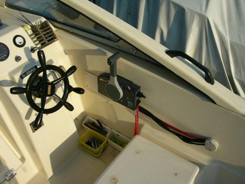 ボート 運転席